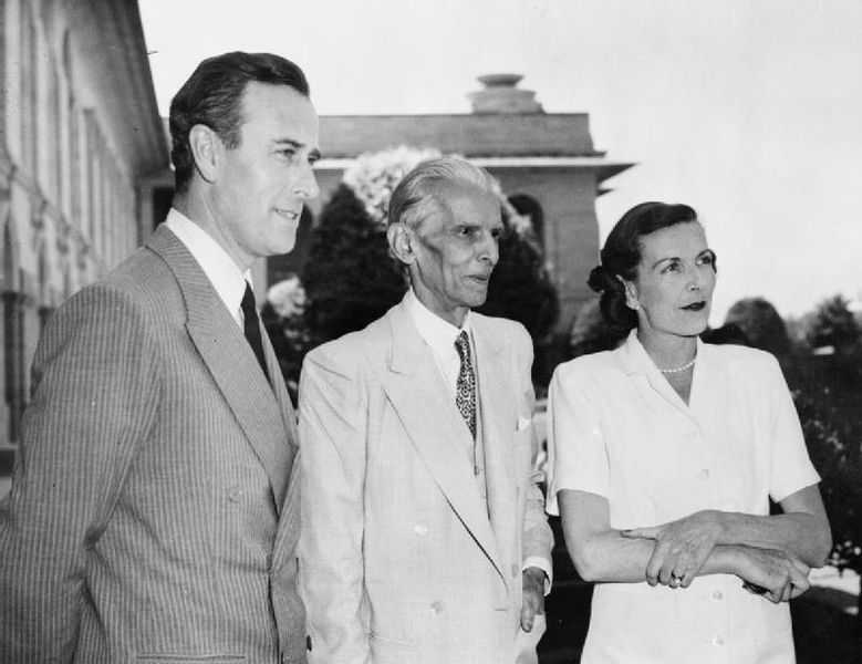 Mohammad Ali Jinnah between Louis and Edwina Mountbatten, 1947