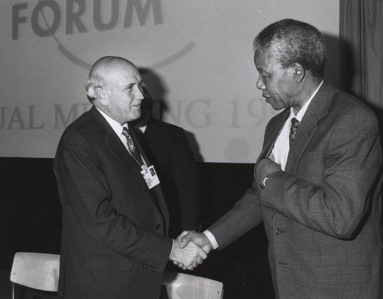 768px-Frederik_de_Klerk_with_Nelson_Mandela_-_World_Economic_Forum_Annual_Meeting_Davos_1992