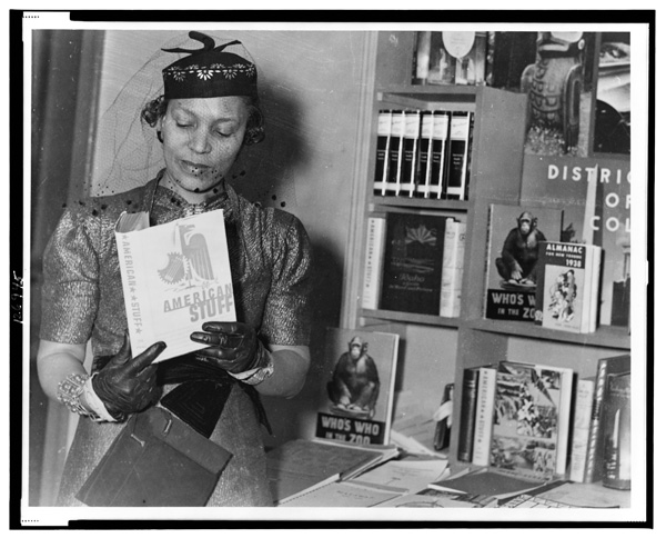 Zora Neale Hurston . Source: Library of Congress Prints and Photographs Division, Washington, DC.
