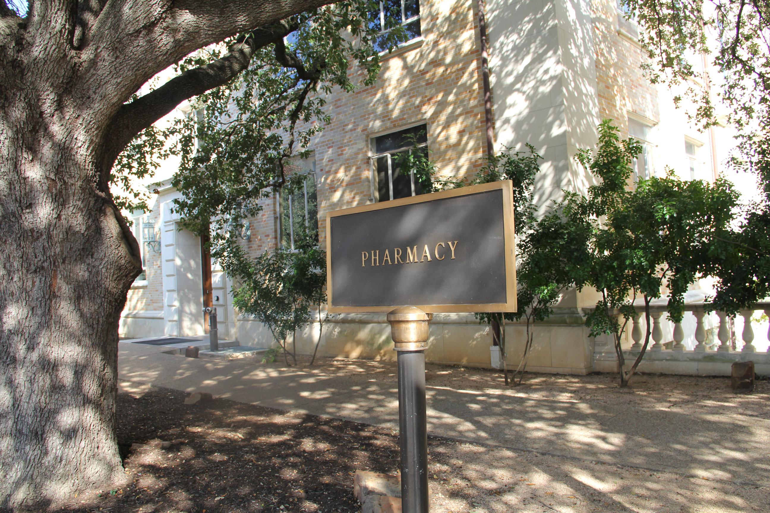 Alumni College Of Pharmacy The University Of Texas At