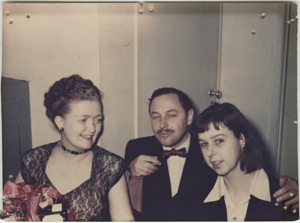 Snapshot photo of Audrey Wood, Tennessee Williams, and Carson McCullers. Undated. Unidentified photographer.