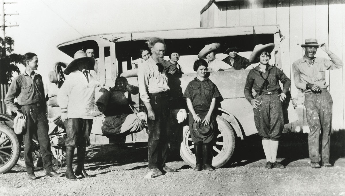 Undated photo of Frank Reaugh and students with truck, Cicada. Unknown photographer. Image courtesy of Jerry Bywaters Collection on Art of the Southwest, Bywaters Special Collections, Hamon Arts Library, Southern Methodist University, Dallas, Texas.