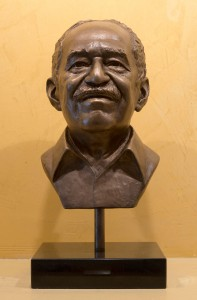 A bronze bust of Gabriel García Márquez by artist Kate Murray. Photo by Pete Smith.