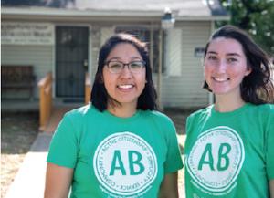 Two social work students in Alternative Breaks