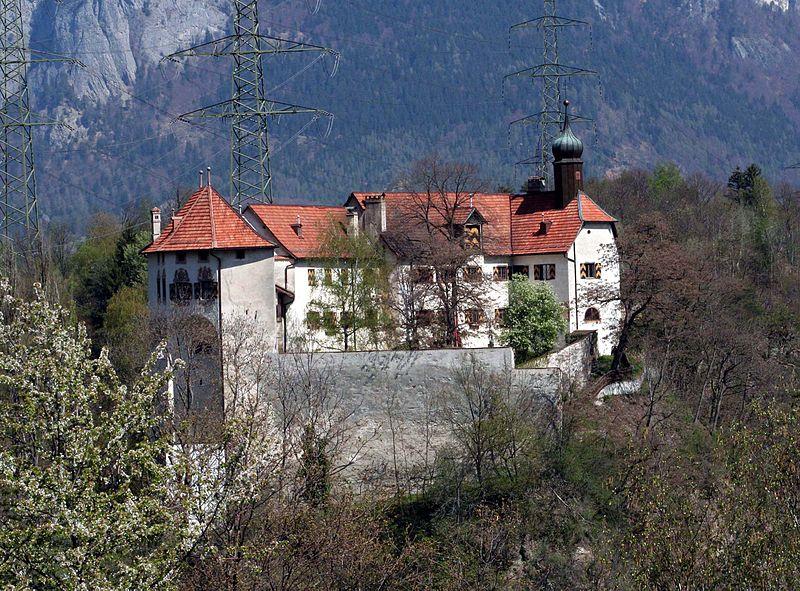 Rhäzüns_Schloss