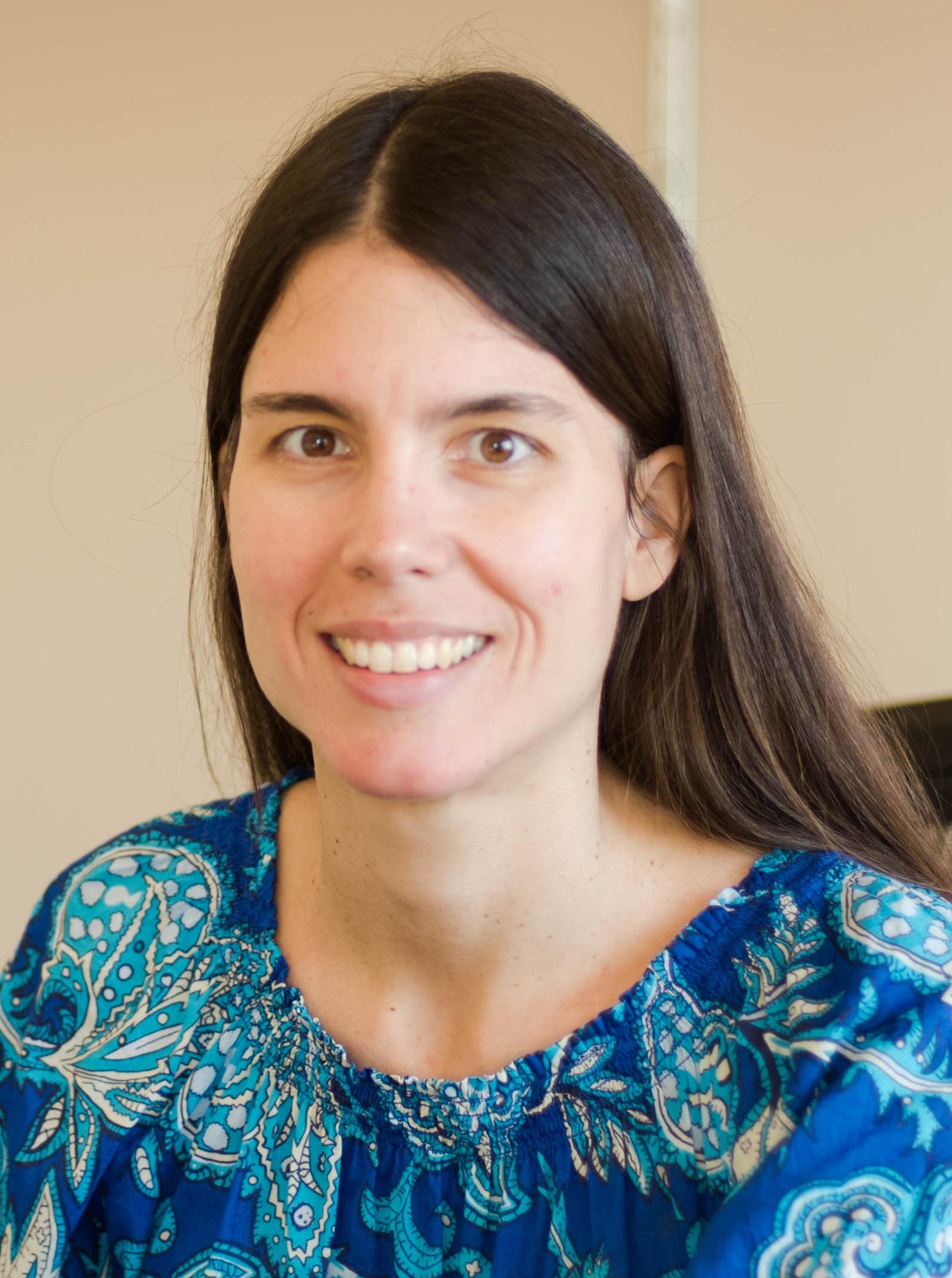 Dr. Lea Hildebrandt Ruiz