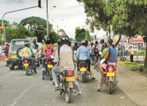 Mototaxis carry passengers around Montería. Photo Credit: El Meridiano. See the original photo here.
