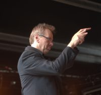 Jeff Hellmer conducting