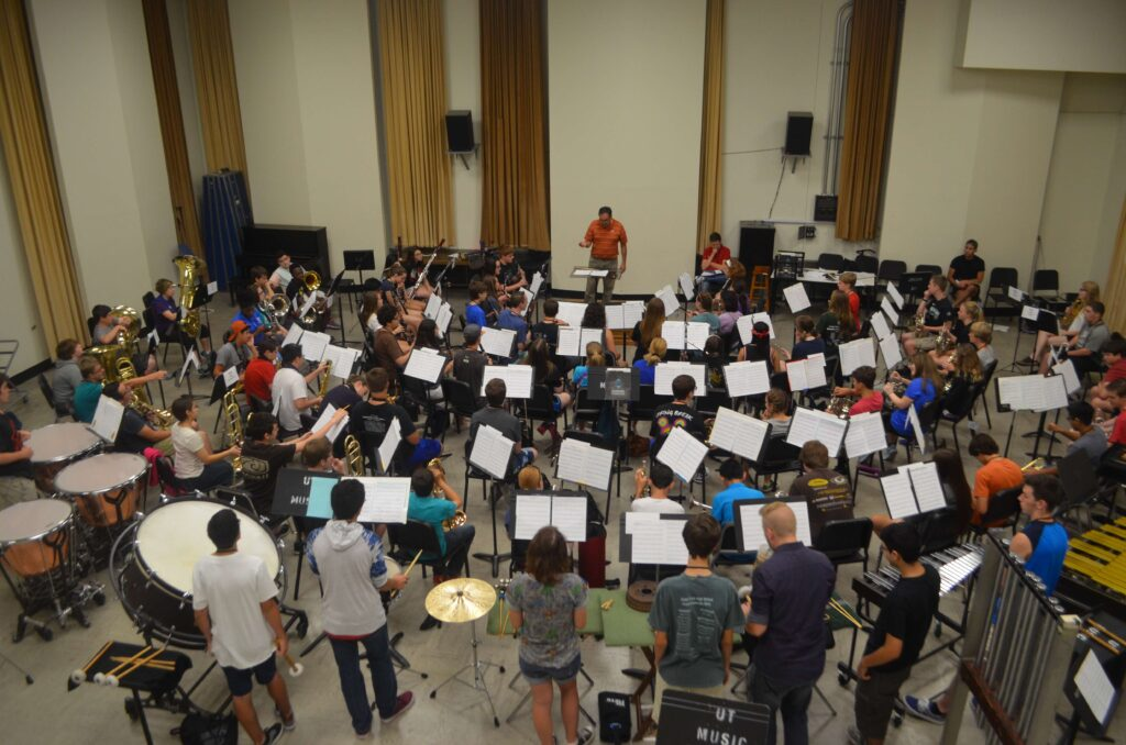 Highschool band rehearsal