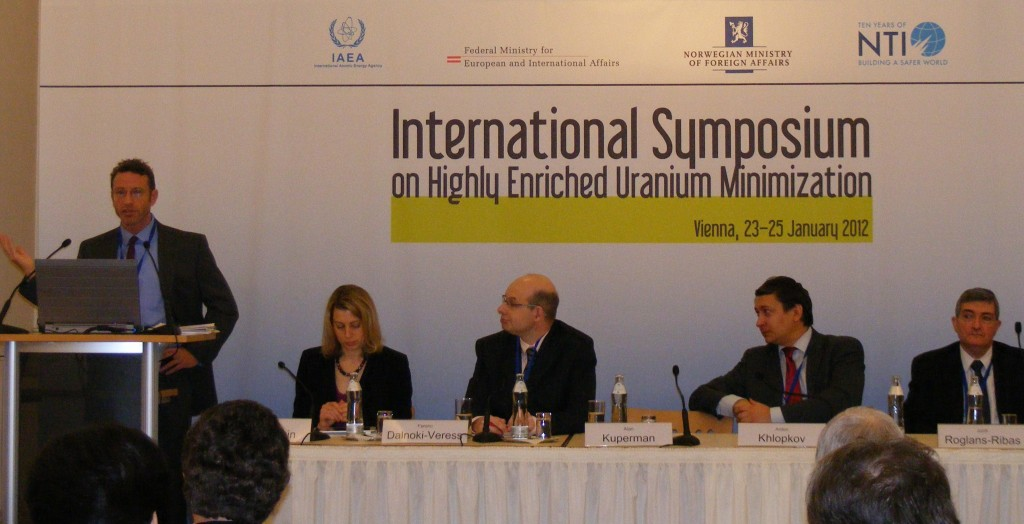 Prof. Alan J. Kuperman addresses 2nd International Symposium on HEU Minimization -- Vienna, Austria