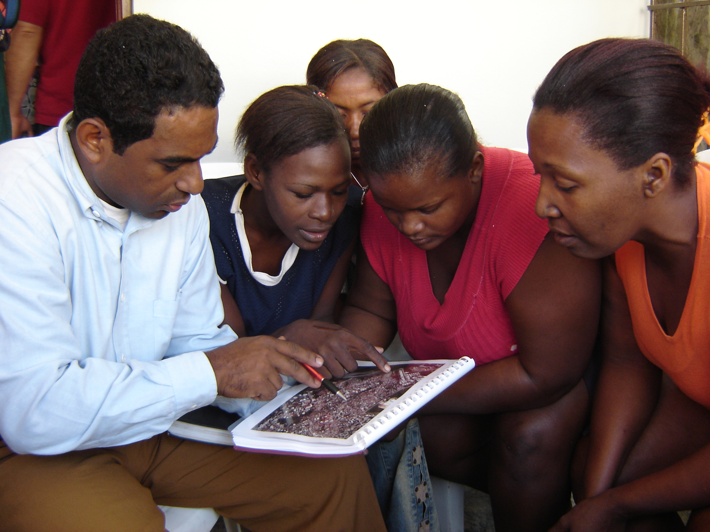 Participatory mapping in the informal settlement of Los Platanitos, Santo Domingo, Dominican Republic.