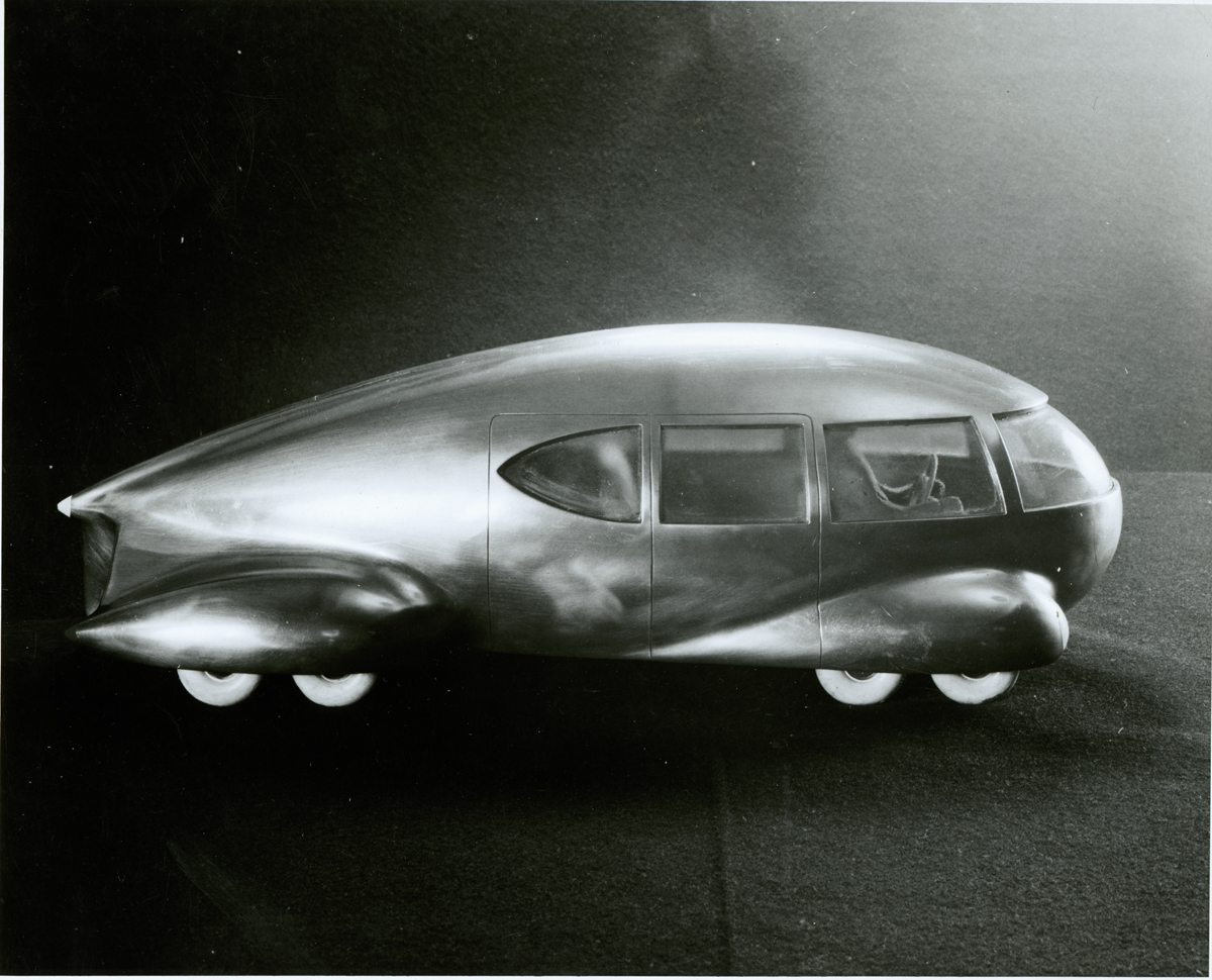 "Model of ""Motorcar No. 9."" Image courtesy of the Edith Lutyens and Norman Bel Geddes Foundation."