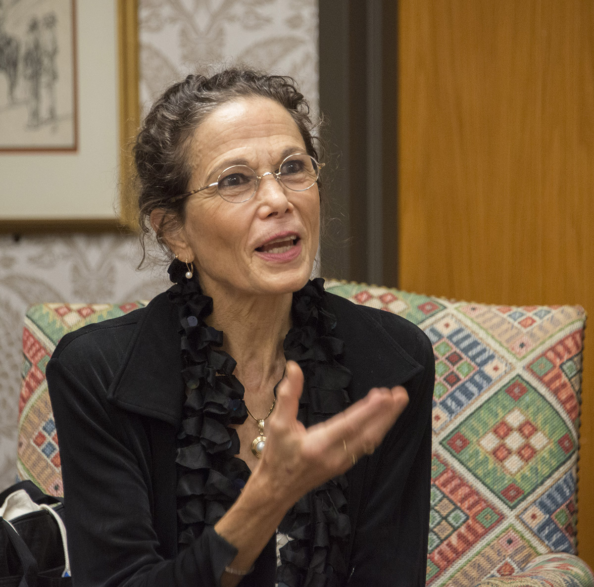 Julia Alvarez speaks with students during a visit to the Ransom Center in March 2014. Photo by Pete Smith.