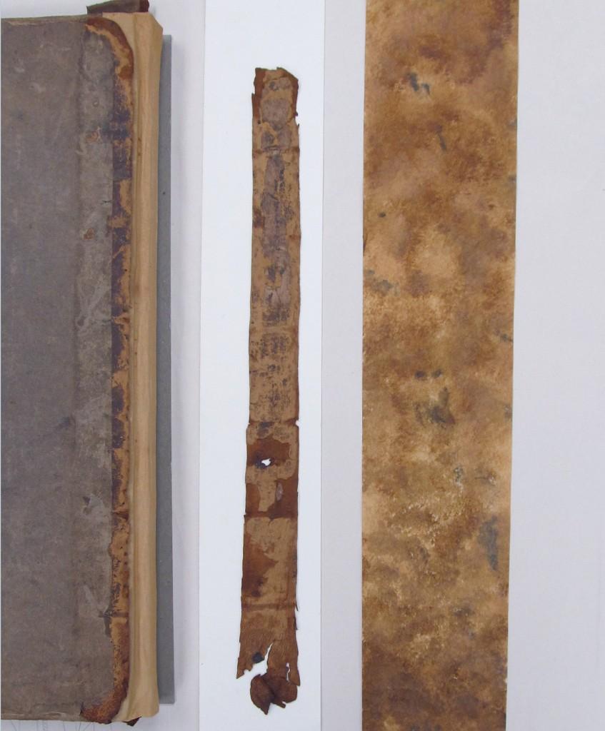 Teinte du papier japonais afin d'effectuer une réintégration esthétique des matériaux de conservation aux matériaux originaux.