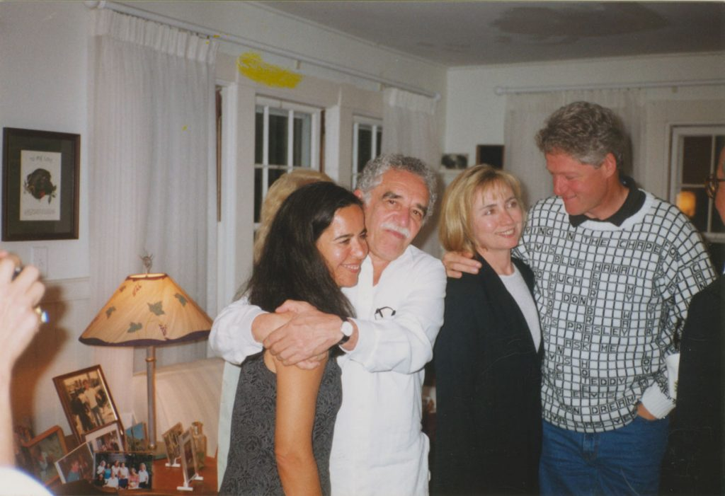 García Márquez hugs friend and interpreter Patricia Cepeda, with Bill and Hillary Clinton during their first meeting at William Styron's house on Martha's Vineyard in 1995.