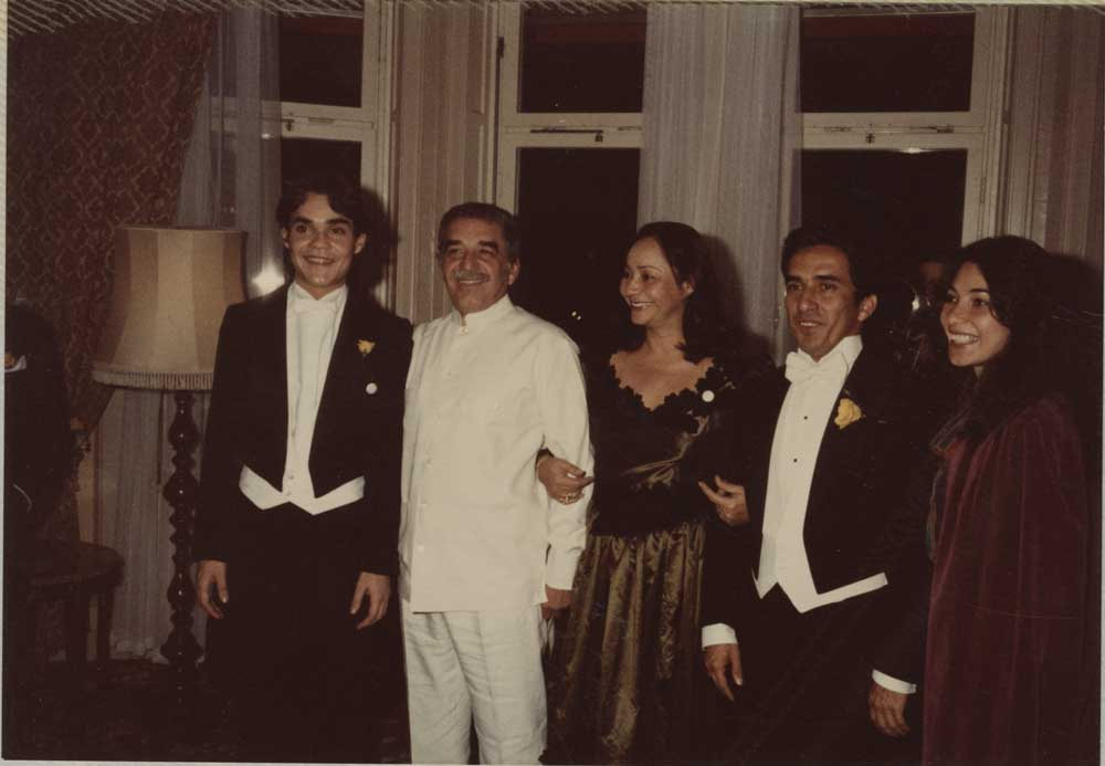 Unidentified photographer, [Gabriel García Márquez and family at the Nobel Banquet], 1982. Chromogenic print, 12.6 x 18.3 cm. Harry Ransom Center Gabriel García Márquez Papers.