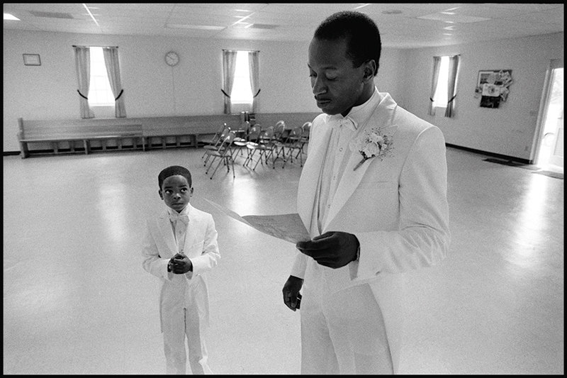Eli Reed, Groom with Ring Bearer, Beaufort, South Carolina, 1984. Image courtesy of Magnum Photos, Inc. © Eli Reed/Magnum Photos