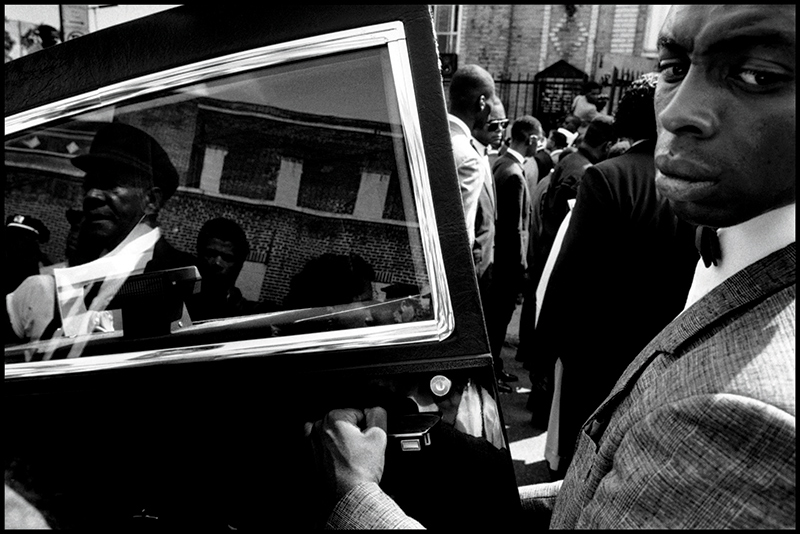 Eli Reed, Funeral of Yusef Hawkins, Brooklyn, New York City, 1989. Image courtesy of Magnum Photos, Inc. © Eli Reed/Magnum Photos