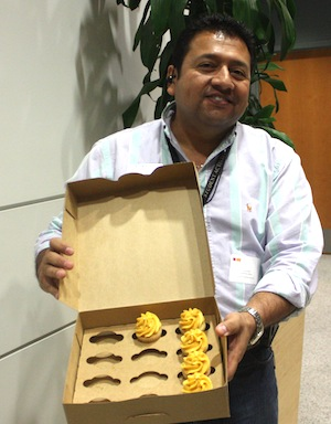 Erick Conde and SAC's golden cupcakes