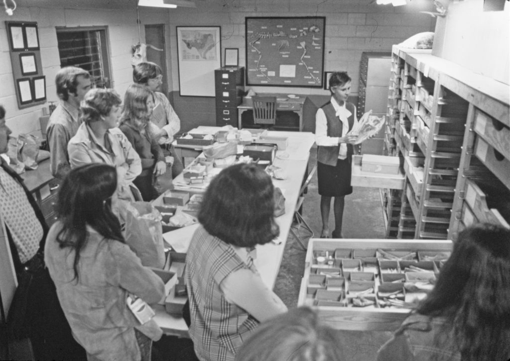 Students peruse the TARL collections, 1960s.